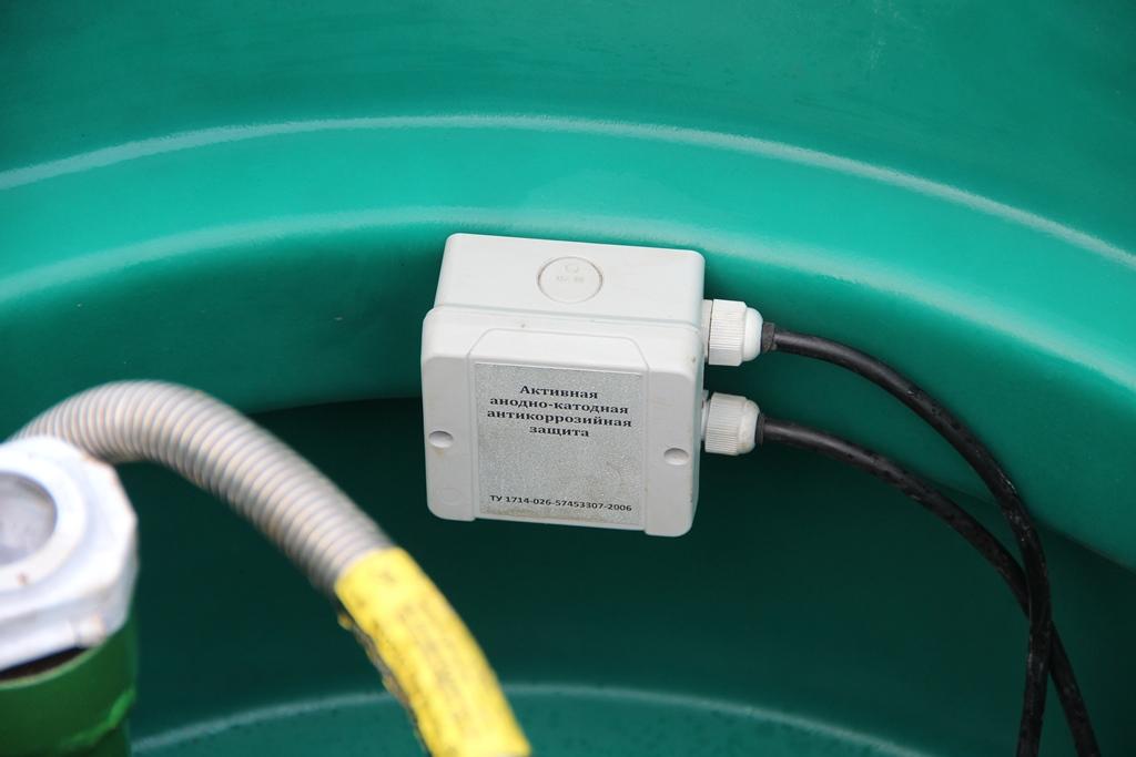cоединительная коробка в горловине  газгольдера